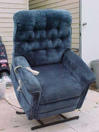 Plush Pride Lift Chair Recliner Cleaned Amp Sanitized 375lb Weight Cap Wow Tampa Bay Area
