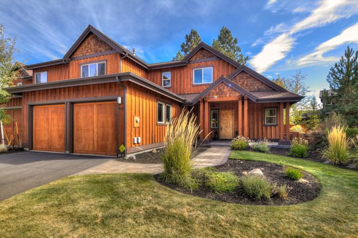 Pointwest luxury townhome for sale in bend oregon for Luxury townhomes for sale