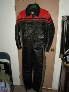 POLARIS SNOWMOBILE LEATHERS - Jacket Lg, Bibs Med - Mens