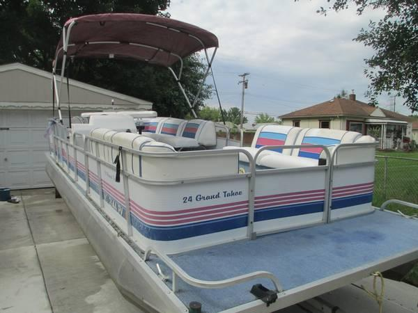 pontoon 1994 24 39 grand tahoe with trailer for sale in waterford michigan classified. Black Bedroom Furniture Sets. Home Design Ideas