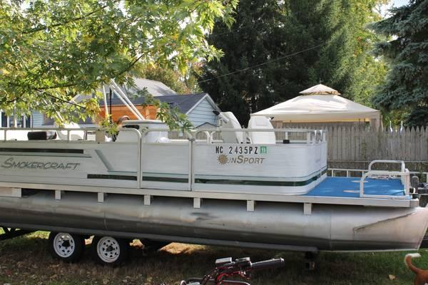 Pontoon Boat 20ft Smokercraft With Trailer For Sale In