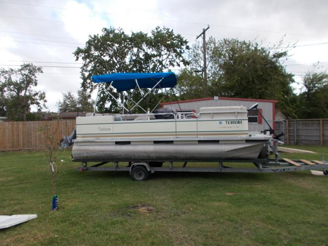 Pontoon boat 18 foot 2005 pontoon deck boat in port for Port lavaca fishing report