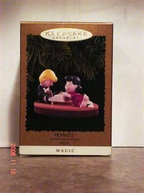 Pooh Chooses A Tree Hallmark Keepsake Ornament