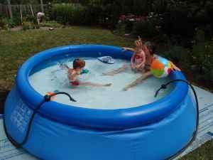 Pool 10 ft x 30 in self supporting hartland for sale for Self sustaining pool