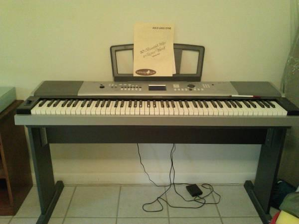 portable grand piano yamaha dgx 530 for sale in gainesville florida classified. Black Bedroom Furniture Sets. Home Design Ideas