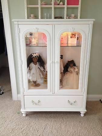 POSH TOTS DESIGNER GLASS DOLL CHEST BY STANLEY