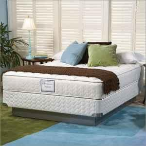 posturepedic by Sealy Queen size Mattress & Foundation