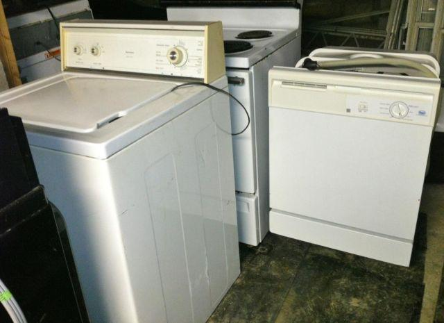 Pre Owned 2007 Whirlpool Roper Dishwasher Electric