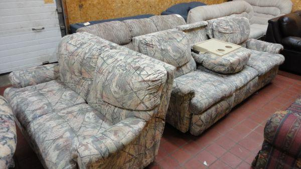 Pre Owned Couch And Love Seat W Recliners Sharon 39 S Furniture For Sale In Dubuque Iowa