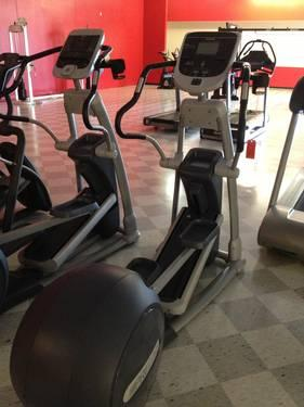 Precor 823 Elliptical