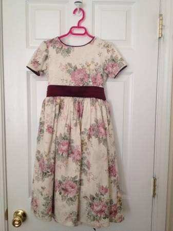 Pretty girl size 6 dresses - several to choose from! -