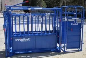 Priefert Cattle Squeeze Chute w/ Automatic Headgate &