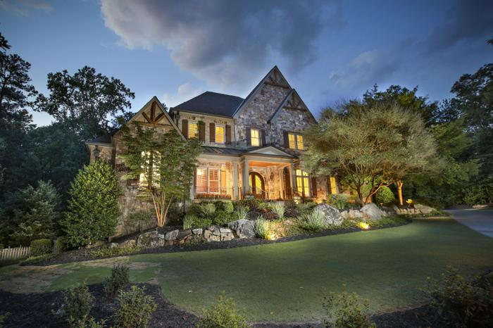 Private Elegance in Cameron Crest Farms