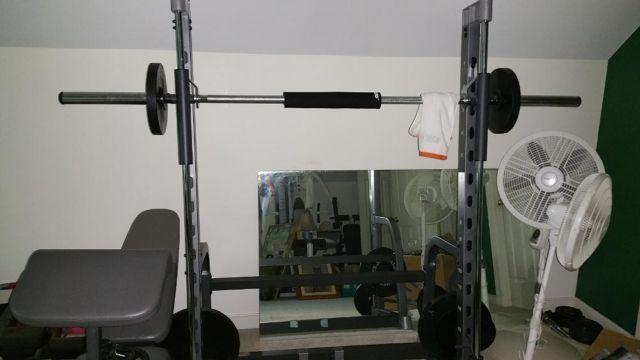 proform c800 smith machine w 250 lbs of olympic