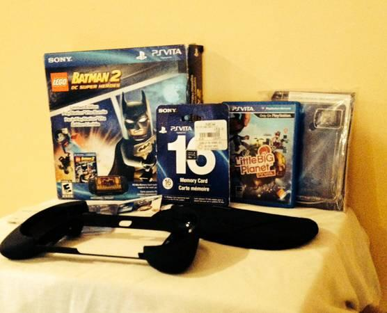 PS Vita LEGO BATMAN 2 SYSTEM- w/2 Games,16GB Card, Hand