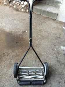 Push lawn mower - $40 (Spokane)