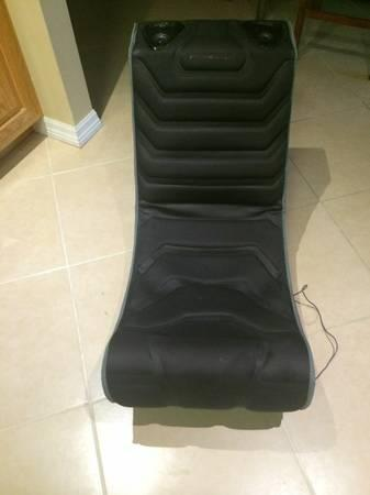 Pyramat gaming chair - $10
