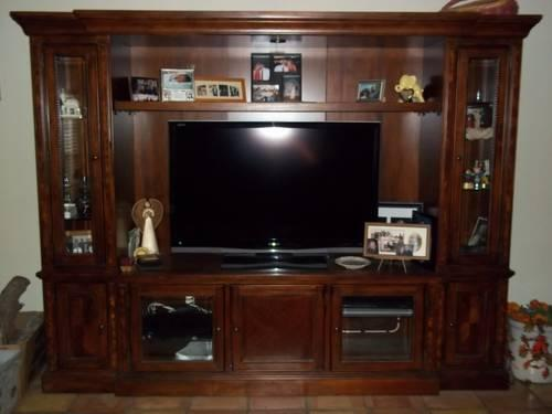 Quality Lighted Expandable Entertainment Center/Wall Unit for Sale ...