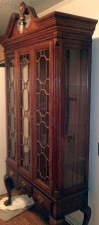 Queen Anne Chippendale China Cabinet/Curio   $525
