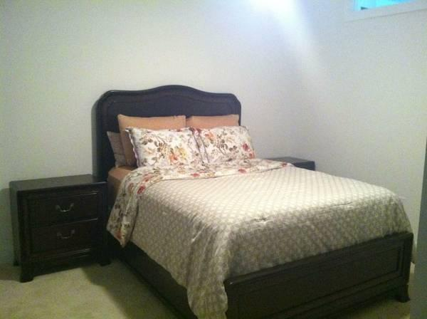 Queen bedroom set like new for sale in austin texas for Bedroom furniture 78745