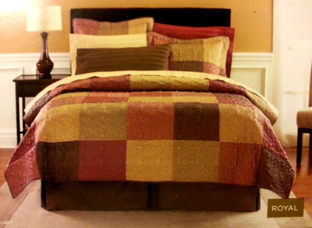 Queen Deluxe Quilt Set Like New