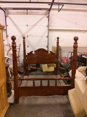 Queen Size 4 Post Bed Frame Wooden Head Footboards With Steel Rails