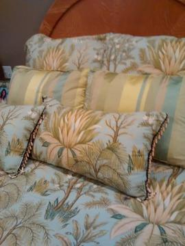 Queen Size Comforter Set By Nina Campbell For Sale In Jonesboro Arkansas Classified Americanlisted Com