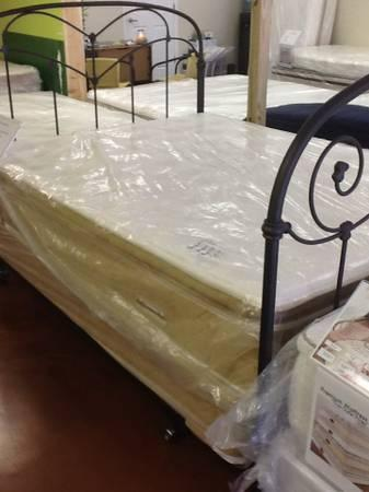 QUEEN SIZE TEDDY TOP PILLOWTOP MATTRESS SET-SUPER SOFT