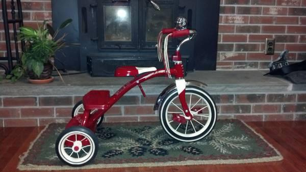 Radio Flyer 12 inch Classic Red Tricycle - $35