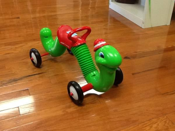 RADIO FLYER INCHWORM RIDE ON TOY - $20