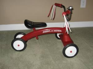 Radio Flyer SCOOT ABOUT, Toddlers Ride On Toy - $15 N Charlotte 28269