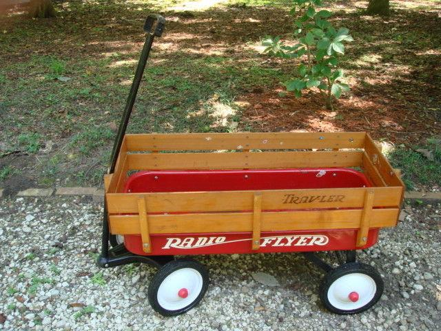 RADIO FLYER TRAVELER LITTLE RED WAGON