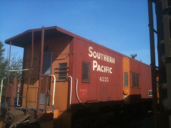 RAILROAD TIES/ 1963 SOUTHERN PACIFIC BAY WINDOW RAILROAD CABOOSE for