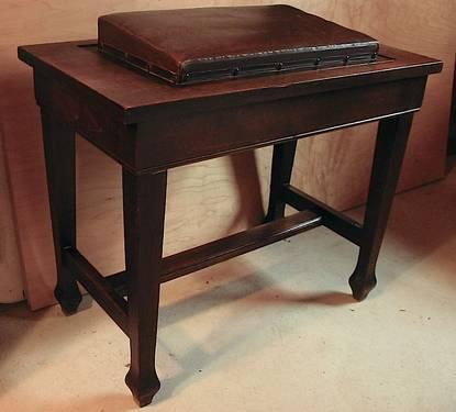 Rare Flip Top Tilted Padded Leather Organ Or Player Piano Bench For Sale In Concord Ohio