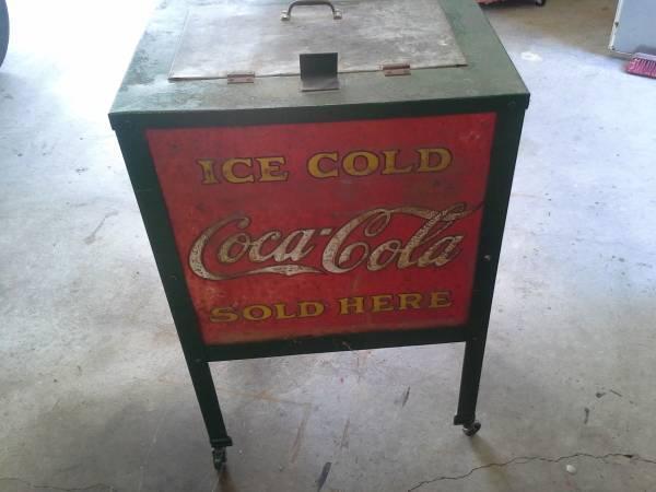 Rare MOSS Coca Cola cooler 1920's - $900