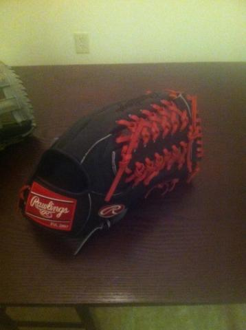 Rawlings Heart of the Hide Gold Glove CO.