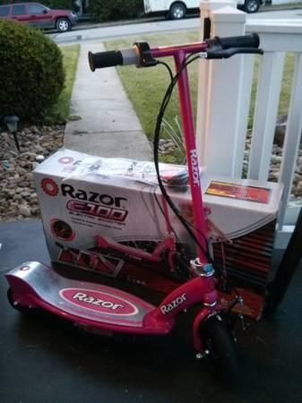 Razor E100 Electric Scooter  Hot Pink  LIKE NEW - $50