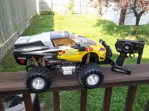 RC Electric Monster Truck (15