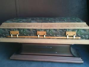 Real Tree Camo N Oak Casket With Stand Lakeland Real