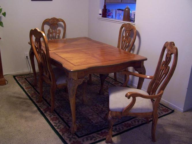 Real Wood Inlay Maple Dining Room Table And Chairs And