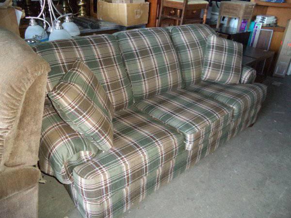 Excellent Really Nice Sofa Couch Davenport Indoor Yard Sale Flea Machost Co Dining Chair Design Ideas Machostcouk
