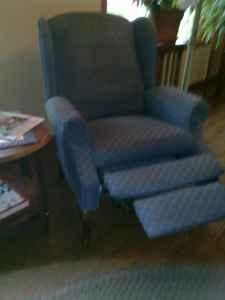 Recliner - $45 (Brainerd)