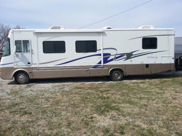 REDUCED! 2004 Daybreak by Damon Class A Motorhome