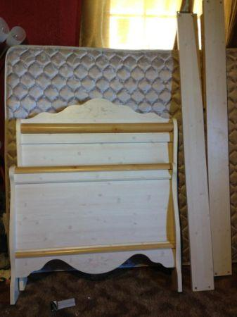 REDUCED!! 5 piece bedroom set $550 - $650 (Borger)