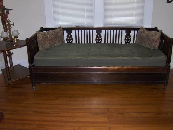 Reduced Antique Kindel Davenport Pop Up Sofa Bed For Sale In