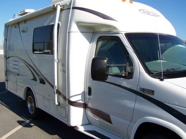 REDUCED - Class B RV - 2003, 22' - Trail Lite B Plus by R
