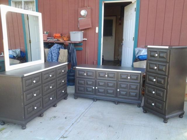(REDUCED FOR QUICK SALE)Beautiful 4 Piece Bedroom Set