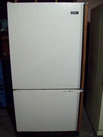Refrigerator W/ Bottom Freezer.