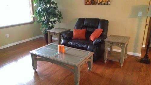 Refurbished Distressed Coffee Table With 2 End Tables For Sale In Meridian Mississippi