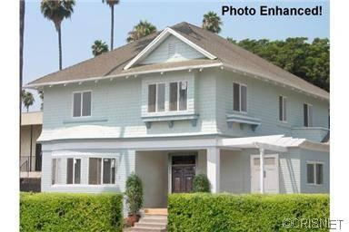 Remodeled Hollywood Victorian Duplex For Sale In Los